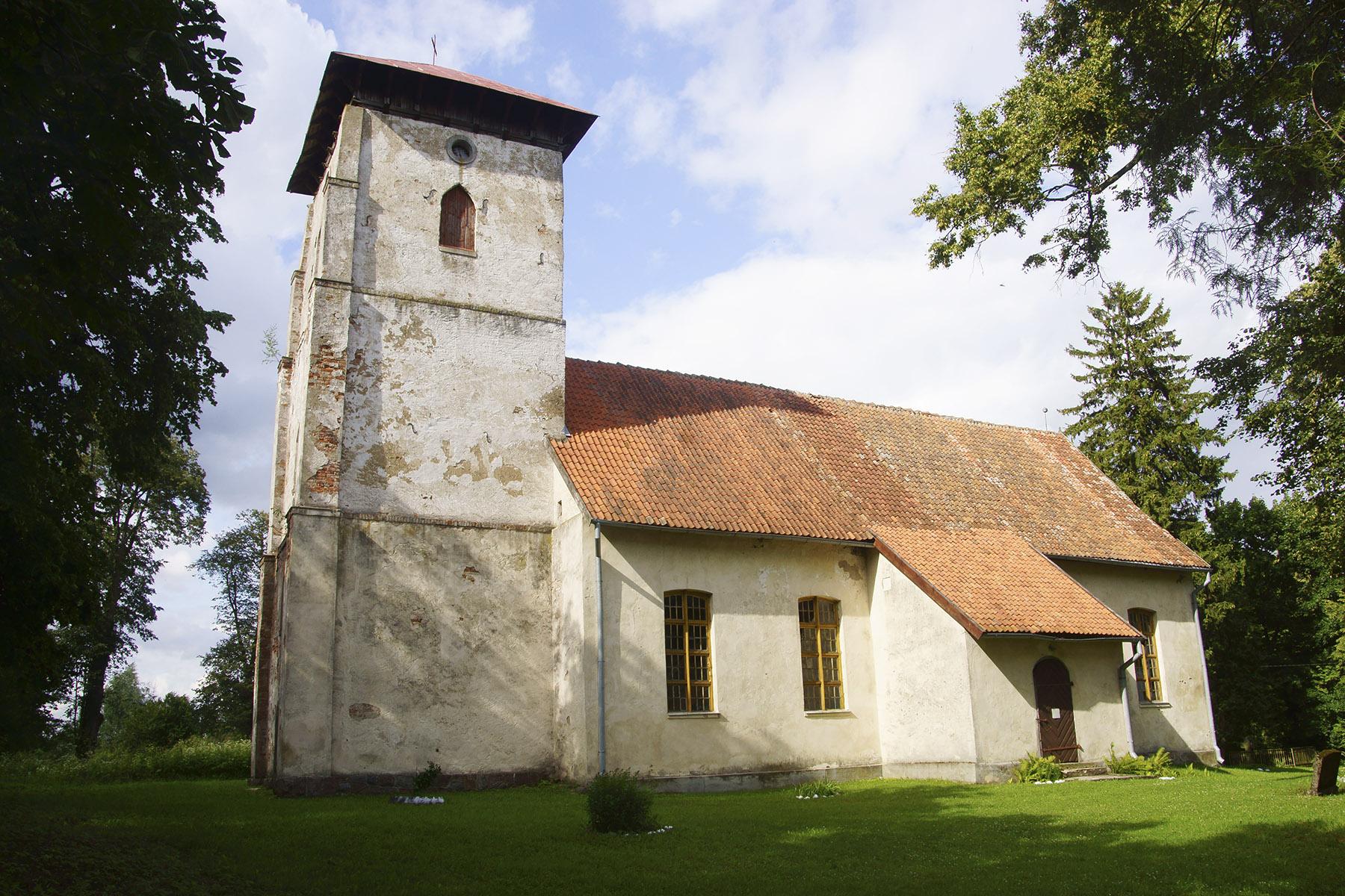 Kościół w Dąbrówce, zbudowany na miejscu wcześniejszej świątyni w 1732 r.